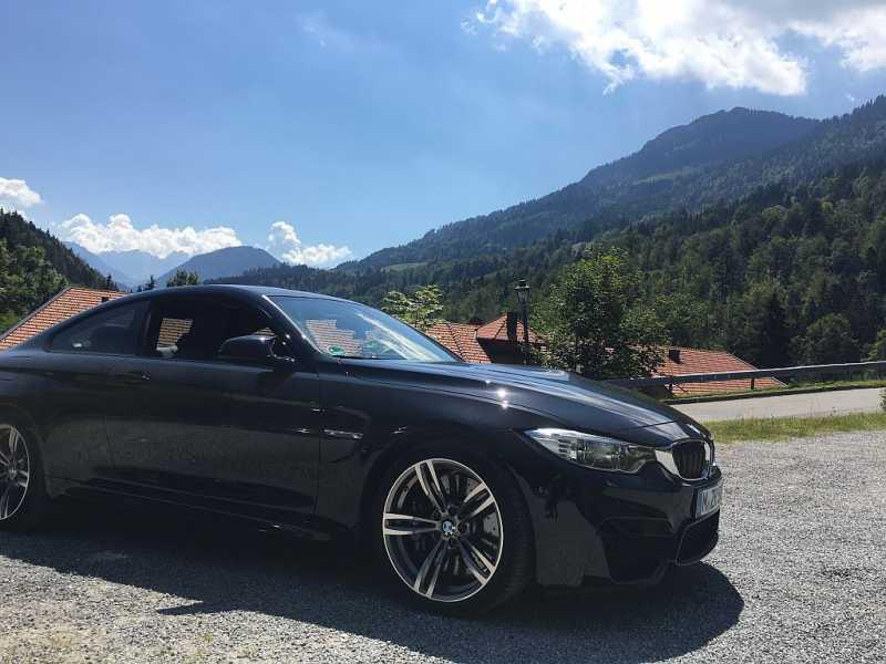 BMW_M4_small.jpg